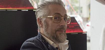 الساندرو گوالتیری (Alessandro Gualtieri)،یک عطار دیوانه